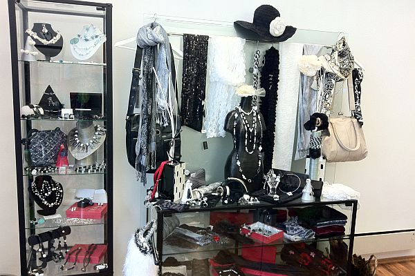 artdesign metz schmuck fashion accessoires 1010 wien riemergasse. Black Bedroom Furniture Sets. Home Design Ideas